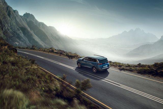 Ra mắt Peugeot 5008 facelift: Thiết kế nanh sư tử mới lạ, nâng cấp công nghệ đối đầu Hyundai Santa Fe - Ảnh 5.