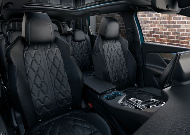 Ra mắt Peugeot 5008 facelift: Thiết kế nanh sư tử mới lạ, nâng cấp công nghệ đối đầu Hyundai Santa Fe - Ảnh 4.