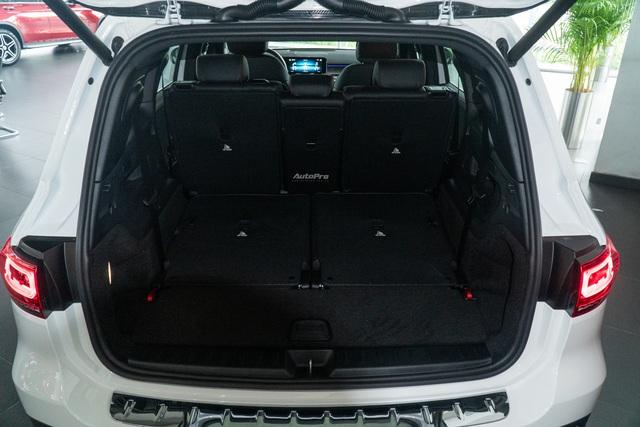 Chi tiết Mercedes-Benz GLB giá 2 tỷ đồng vừa về đại lý: Xe sang thực dụng ngang tầm tiền Ford Explorer và Volkswagen Tiguan Allspace - Ảnh 7.