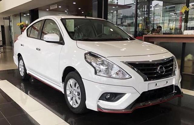 Loạt ô tô hạng B ồ ạt giảm giá, cơ hội mua xe 'ngon' với giá siêu 'mềm' của khách Việt
