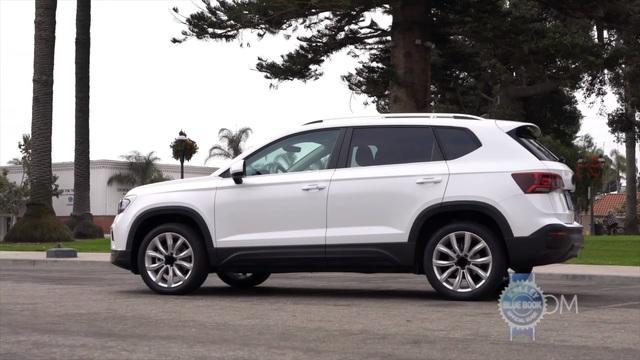 Volkswagen Taos - SUV cỡ nhỏ đấu Kia Seltos lần đầu lộ diện không che chắn - Ảnh 3.