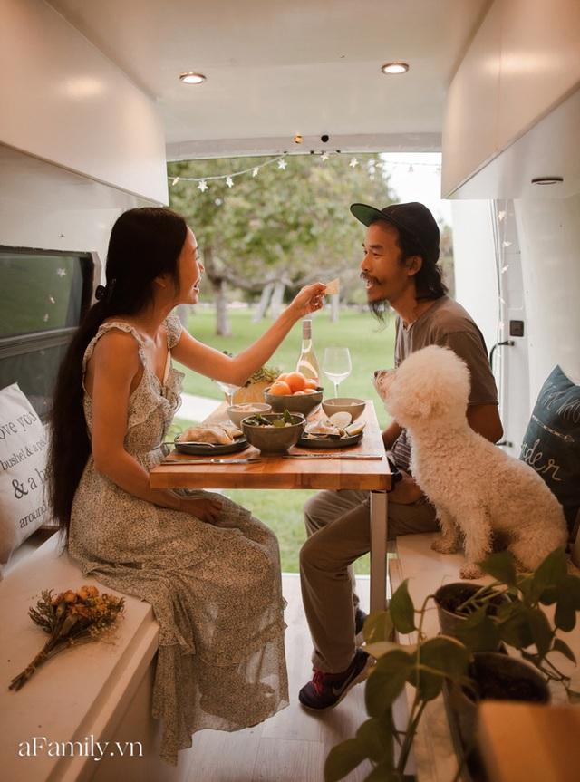 Đôi vợ chồng người Việt đầu tư gần 600 triệu đồng mua chiếc xe Van, tự xây bếp và phòng ngủ rồi đưa nhau đi khắp nước Mỹ, mỗi sáng thức dậy là một view khác nhau - Ảnh 4.