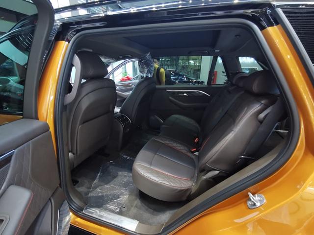 Mục sở thị VinFast President giá sốc 3,8 tỷ: Có đấu được Lexus LX570? - Ảnh 12.