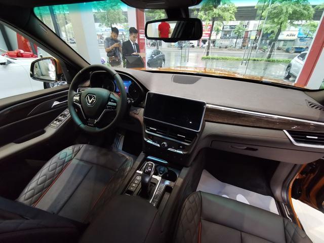 Mục sở thị VinFast President giá sốc 3,8 tỷ: Có đấu được Lexus LX570? - Ảnh 11.