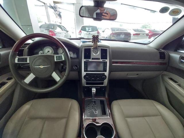 'Bentley nước Mỹ' bán lại ngang giá Toyota Camry dù chỉ chạy 6.300km mỗi năm - Ảnh 4.