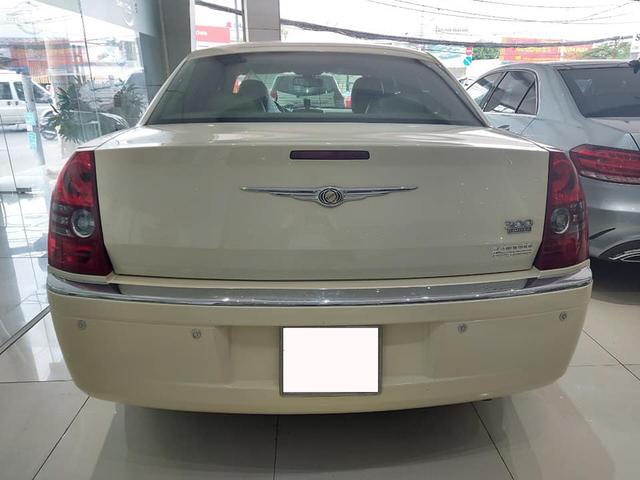 'Bentley nước Mỹ' bán lại ngang giá Toyota Camry dù chỉ chạy 6.300km mỗi năm - Ảnh 3.
