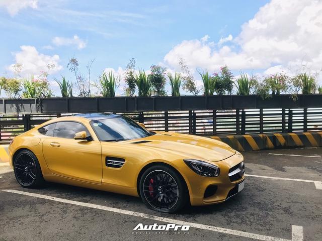 Mercedes-AMG GT S mau vang dau tien tai Viet Nam tai xuat tai Da Lat sau nhieu thang mat tich
