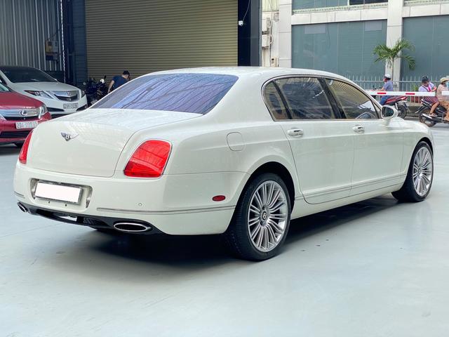 Sau 35.000km, xe Bentley xuống giá rẻ ngang 2 chiếc Toyota Camry đập hộp - Ảnh 2.