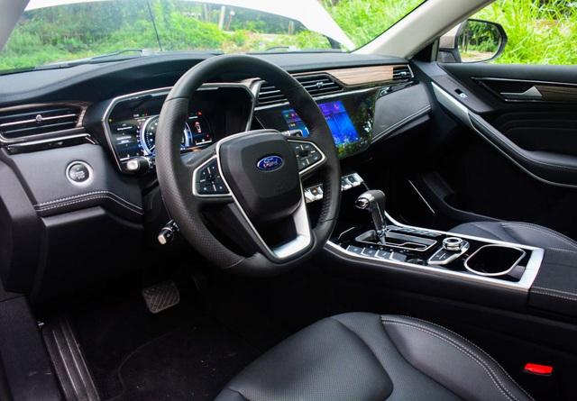 autopro ford territory ve vn 10 15995388554571968462719 crop 1599539009059806383283 Ford Territory thách thức Honda CR-V