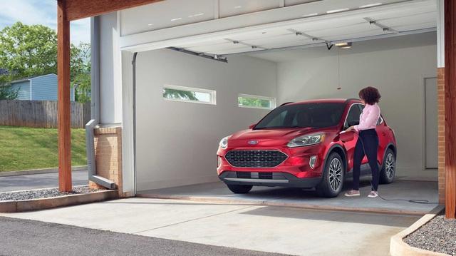 Ford Escape sắp có 3 hàng ghế, 7 chỗ ngồi, đe doạ Honda CR-V