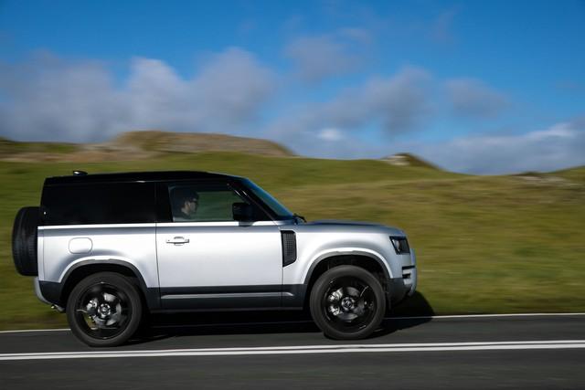 Ra mắt Land Rover Defender 2021: Thêm phiên bản mà người dùng chờ đợi bấy lâu - Ảnh 4.
