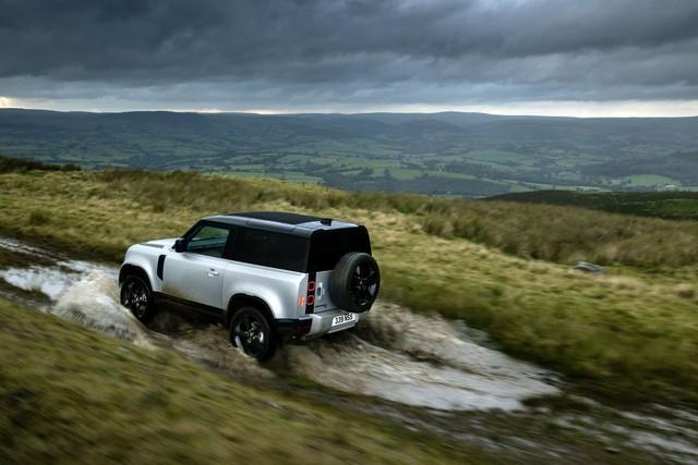 Ra mắt Land Rover Defender 2021: Thêm phiên bản mà người dùng chờ đợi bấy lâu - Ảnh 2.