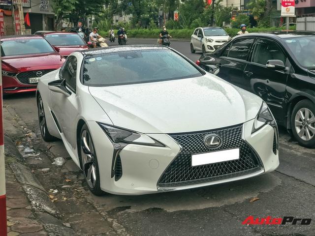 Lexus LC500 tiếp tục đổ bộ Việt Nam: Giá bán khoảng 10 tỷ đồng, nguồn gốc là thông tin nhiều người tò mò - Ảnh 1.