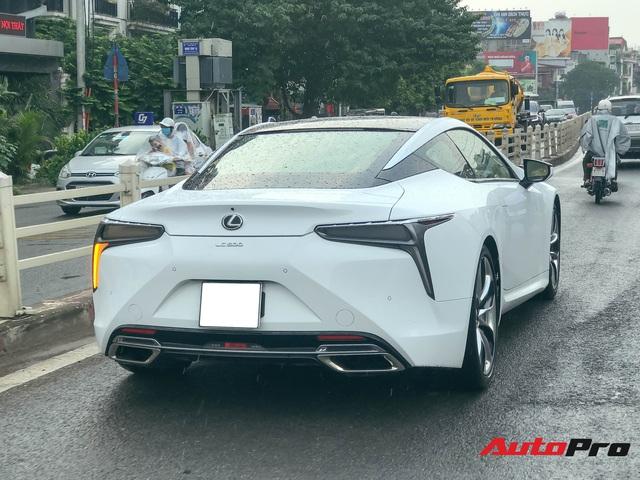 Lexus LC500 tiếp tục đổ bộ Việt Nam: Giá bán khoảng 10 tỷ đồng, nguồn gốc là thông tin nhiều người tò mò - Ảnh 2.