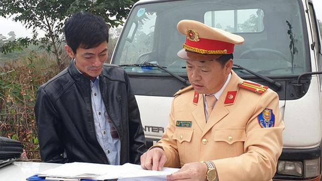 CSGT Hà Nội phạt tài xế xe buýt vi phạm nồng độ cồn 17 triệu đồng