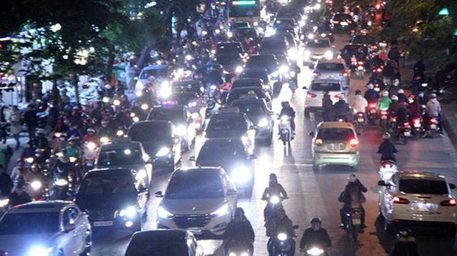 Bộ GTVT đề xuất xe máy phải bật đèn cả ngày để giảm tai nạn