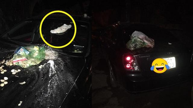 """Đỗ xe chắn bãi rác, tài xế ô tô chắc sẽ """"hoảng hồn"""" với thứ nhầy nhụa trên nắp ca - pô"""