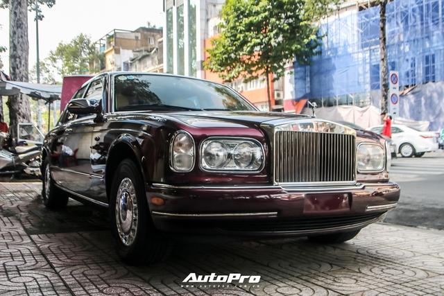 Rolls-Royce Silver Seraph màu độc nhất vô nhị xuất hiện tại Sài Gòn - Ảnh 1.