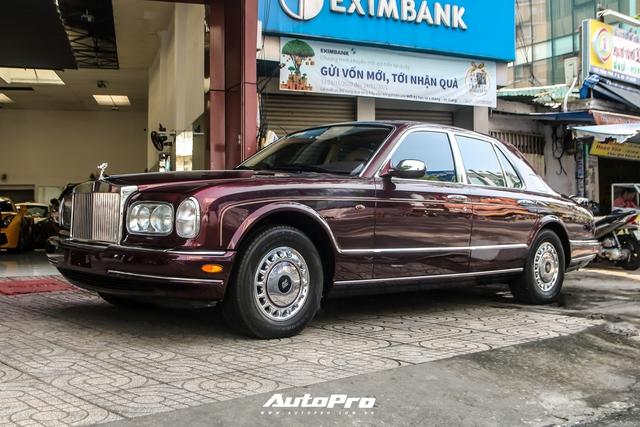 Rolls-Royce Silver Seraph màu độc nhất vô nhị xuất hiện tại Sài Gòn - Ảnh 2.