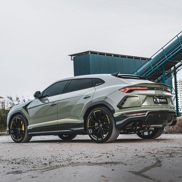 Lamborghini Urus của đại gia Sài Gòn lột xác với diện mạo mới: Riêng ống xả có giá cả ngàn USD - Ảnh 2.