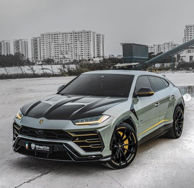 Lamborghini Urus của đại gia Sài Gòn lột xác với diện mạo mới: Riêng ống xả có giá cả ngàn USD - Ảnh 1.