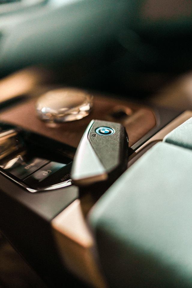 BMW công bố hệ thống iDrive đỉnh cao cho các chủ lực tương lai đối đầu màn 56 inch của Mercedes - Ảnh 3.