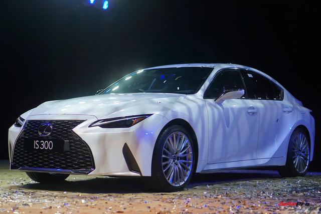 Ra mắt Lexus IS 2021 tại Việt Nam: 3 phiên bản, giá từ 2,13 tỷ đồng, đấu Mercedes-Benz C-Class và BMW 3-Series - Ảnh 7.