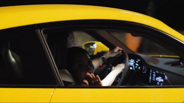 HOT: Sau khi được vợ doanh nhân cầu hôn lãng mạn, chồng nhà người ta tặng vợ siêu xe Porsche 911 bạc tỷ chơi Tết khiến dân mạng bội phần ga tô - Ảnh 6.