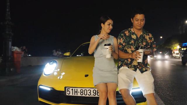 HOT: Sau khi được vợ doanh nhân cầu hôn lãng mạn, chồng nhà người ta tặng vợ siêu xe Porsche 911 bạc tỷ chơi Tết khiến dân mạng bội phần ga tô - Ảnh 7.