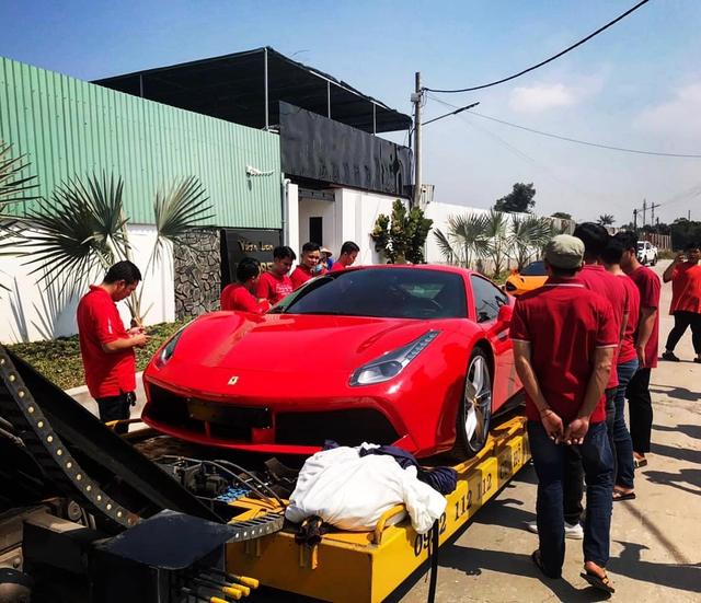 Vừa tậu McLaren 720S từng của Nguyễn Quốc Cường, đại gia lan đột biến lại vung tiền mua Ferrari 488 GTB - Ảnh 4.