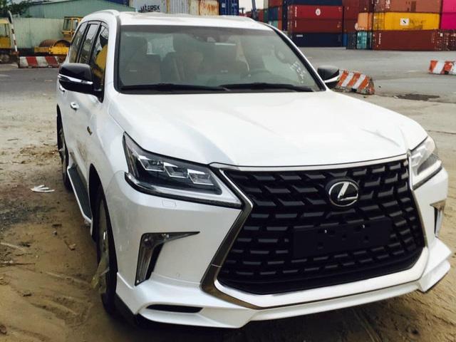 Loạt SUV nhập tư đa dạng phiên bản và option đổ bộ Việt Nam làm khó xe chính hãng - Ảnh 7.