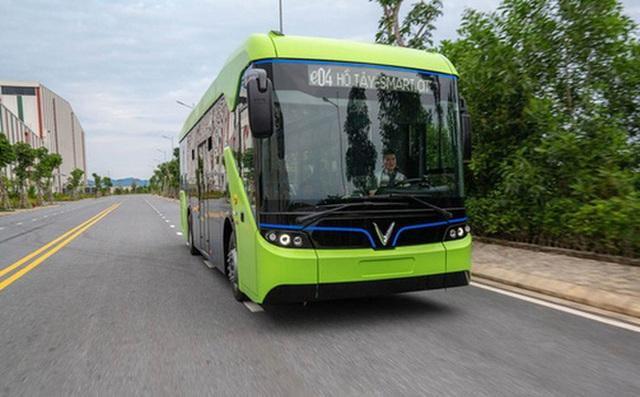 Hà Nội đề xuất gỡ rối cho đề xuất phát triển xe buýt điện của Tập đoàn Vingroup - Ảnh 1.