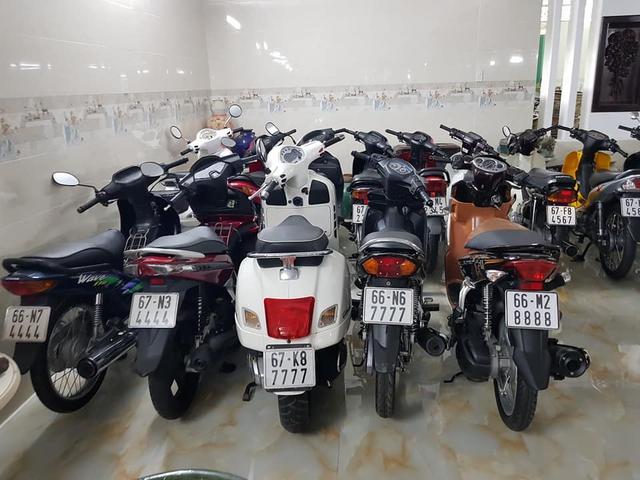 Choáng váng với kho xe máy biển đẹp 500 chiếc tại An Giang: Tổng giá trị hàng trăm tỷ đồng, đủ loại Honda Spacy, Su Xì-po, Honda Dylan - Ảnh 1.