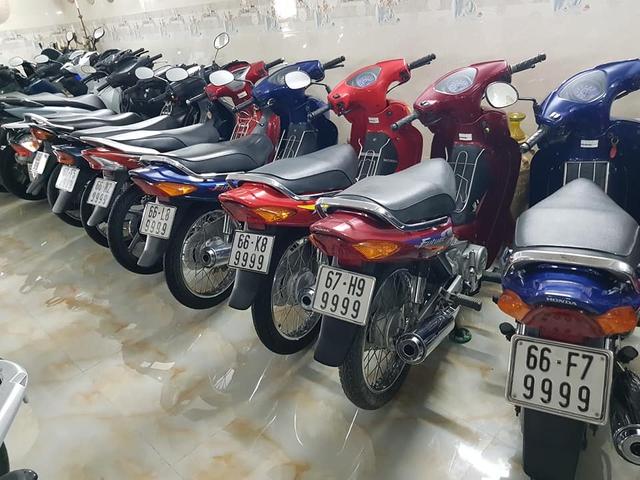 Choáng váng với kho xe máy biển đẹp 500 chiếc tại An Giang: Tổng giá trị hàng trăm tỷ đồng, đủ loại Honda Spacy, Su Xì-po, Honda Dylan - Ảnh 3.