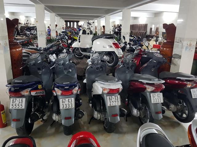 Choáng váng với kho xe máy biển đẹp 500 chiếc tại An Giang: Tổng giá trị hàng trăm tỷ đồng, đủ loại Honda Spacy, Su Xì-po, Honda Dylan - Ảnh 2.
