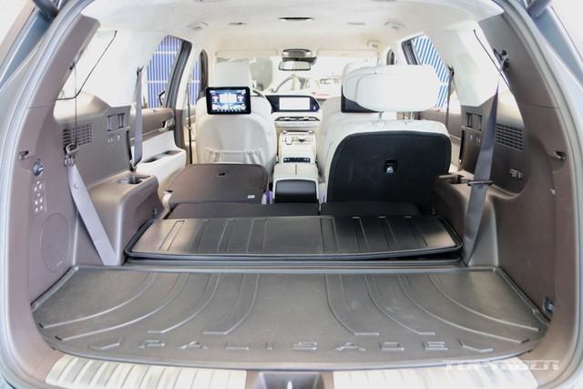 Ảnh thực tế Hyundai Palisade phiên bản VIP tại đại lý: Ghế sau đúng chất ông chủ, xịn không kém Maybach, giá quy đổi hơn 1,1 tỷ đồng - Ảnh 11.