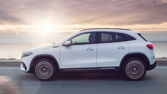 Ra mắt EQA - SUV điện nhỏ nhất, rẻ nhất của Mercedes-Benz, chung khung gầm GLA - Ảnh 1.