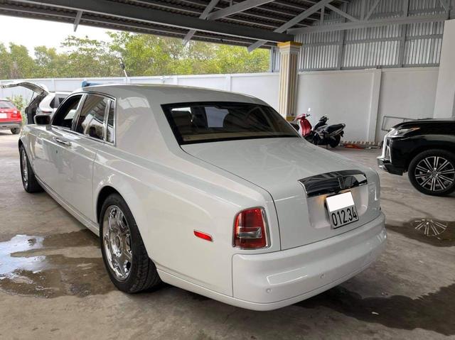 Có biển khủng 012.34, đại gia tự tin bán Rolls-Royce Phantom già với giá 13,5 tỷ đồng - Ảnh 2.