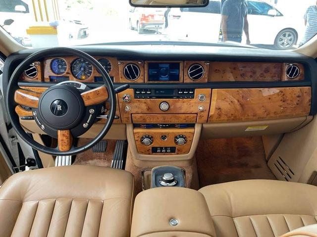 Có biển khủng 012.34, đại gia tự tin bán Rolls-Royce Phantom già với giá 13,5 tỷ đồng - Ảnh 3.