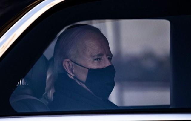 Joe Biden thay đổi chi tiết đầu tiên trên quái thú Cadillac - Ảnh 2.
