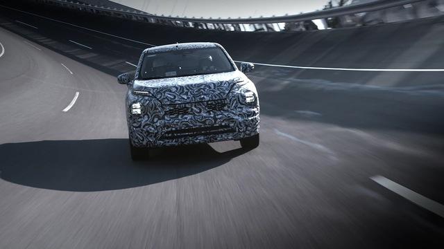 Sếp đại lý bật mí Mitsubishi Outlander 2022 có chất lượng đạt đẳng cấp mới nhờ mượn khung gầm Nissan X-Trail - Ảnh 1.