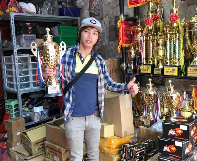 Từ tay đua nghiệp dư thành ông chủ cửa hàng độ xe nổi tiếng  - Ảnh 2.