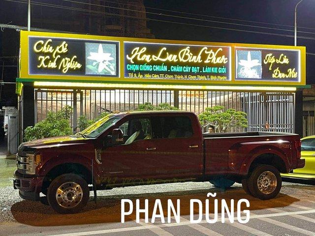 Đại gia hoa lan Bình Phước tậu Ford F-450 Limited Super Duty cực khủng tại Việt Nam: Xe bán tải dài gần 7 mét có giá bán hơn 6 tỷ đồng - Ảnh 1.