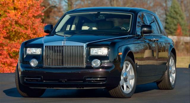 Rolls-Royce Phantom từng của tổng thống Donald Trump lên sàn: Giá đắt gấp đôi mặt bằng chung, tình trạng xe đáng lưu tâm - Ảnh 1.
