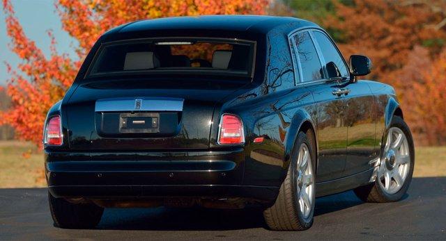 Rolls-Royce Phantom từng của tổng thống Donald Trump lên sàn: Giá đắt gấp đôi mặt bằng chung, tình trạng xe đáng lưu tâm - Ảnh 2.