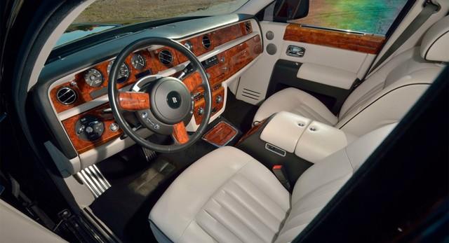 Rolls-Royce Phantom từng của tổng thống Donald Trump lên sàn: Giá đắt gấp đôi mặt bằng chung, tình trạng xe đáng lưu tâm - Ảnh 3.