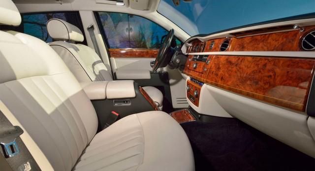 Rolls-Royce Phantom từng của tổng thống Donald Trump lên sàn: Giá đắt gấp đôi mặt bằng chung, tình trạng xe đáng lưu tâm - Ảnh 4.