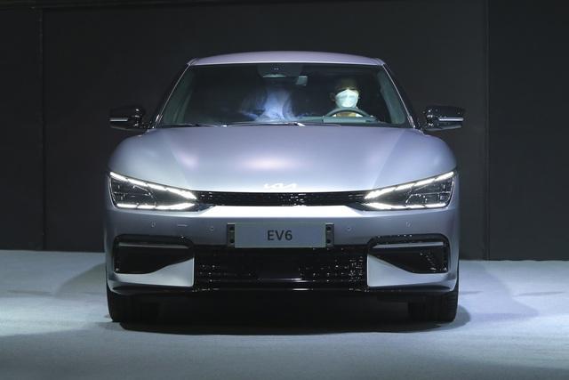 THACO sắp bán Kia EV6 - SUV điện được kỳ vọng lật đổ Tesla Model Y về Việt Nam ngáng đường VinFast VF e35 - Ảnh 1.