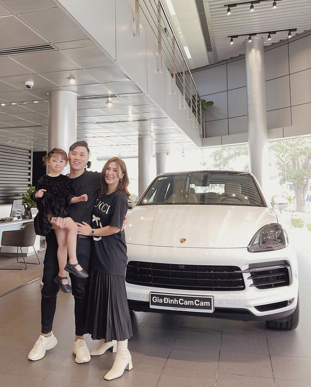Soi dàn xe của bộ ba hot family Xoài - Cam - Đậu: Người chỉ dùng 1 xe vài trăm triệu, người tậu tới 2 chiếc Porsche chỉ trong 1 năm - Ảnh 7.