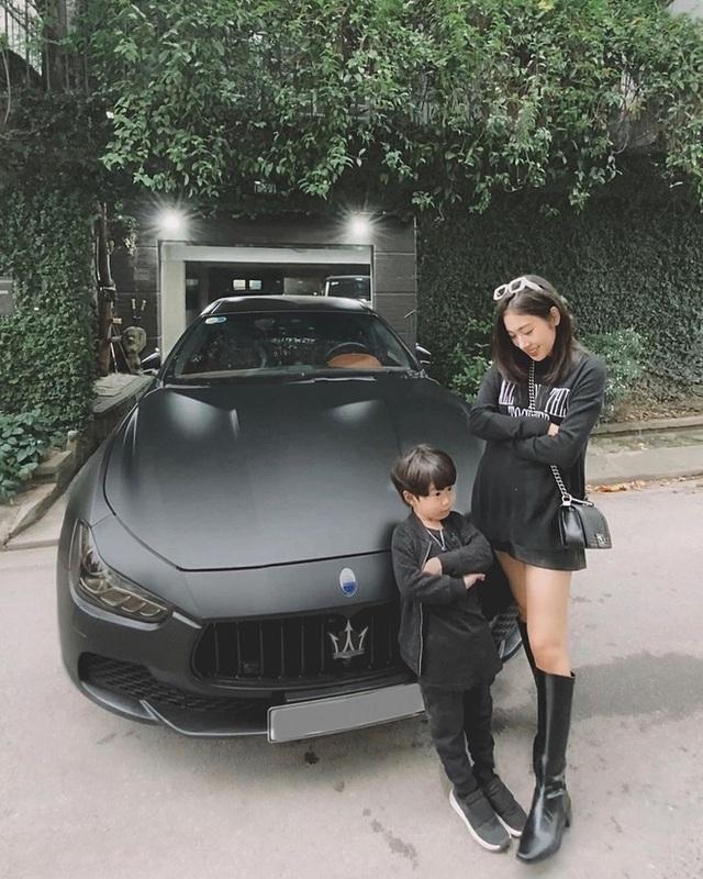 Soi dàn xe của bộ ba hot family Xoài - Cam - Đậu: Người chỉ dùng 1 xe vài trăm triệu, người tậu tới 2 chiếc Porsche chỉ trong 1 năm - Ảnh 3.